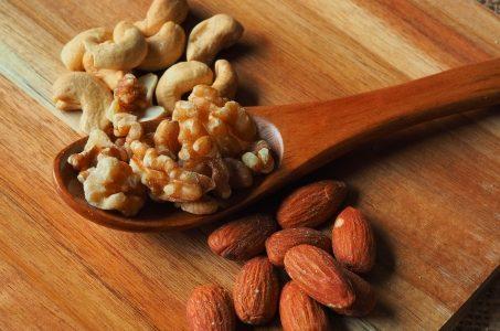 くるみの栄養と効果!成分や適量や摂取量は?アーモンドとの違いは?