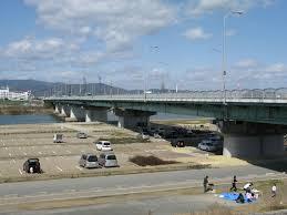 枚方大橋で玉突き事故発生(11/2)大渋滞通過までに何分?国道1号や京都守口線にも影響!